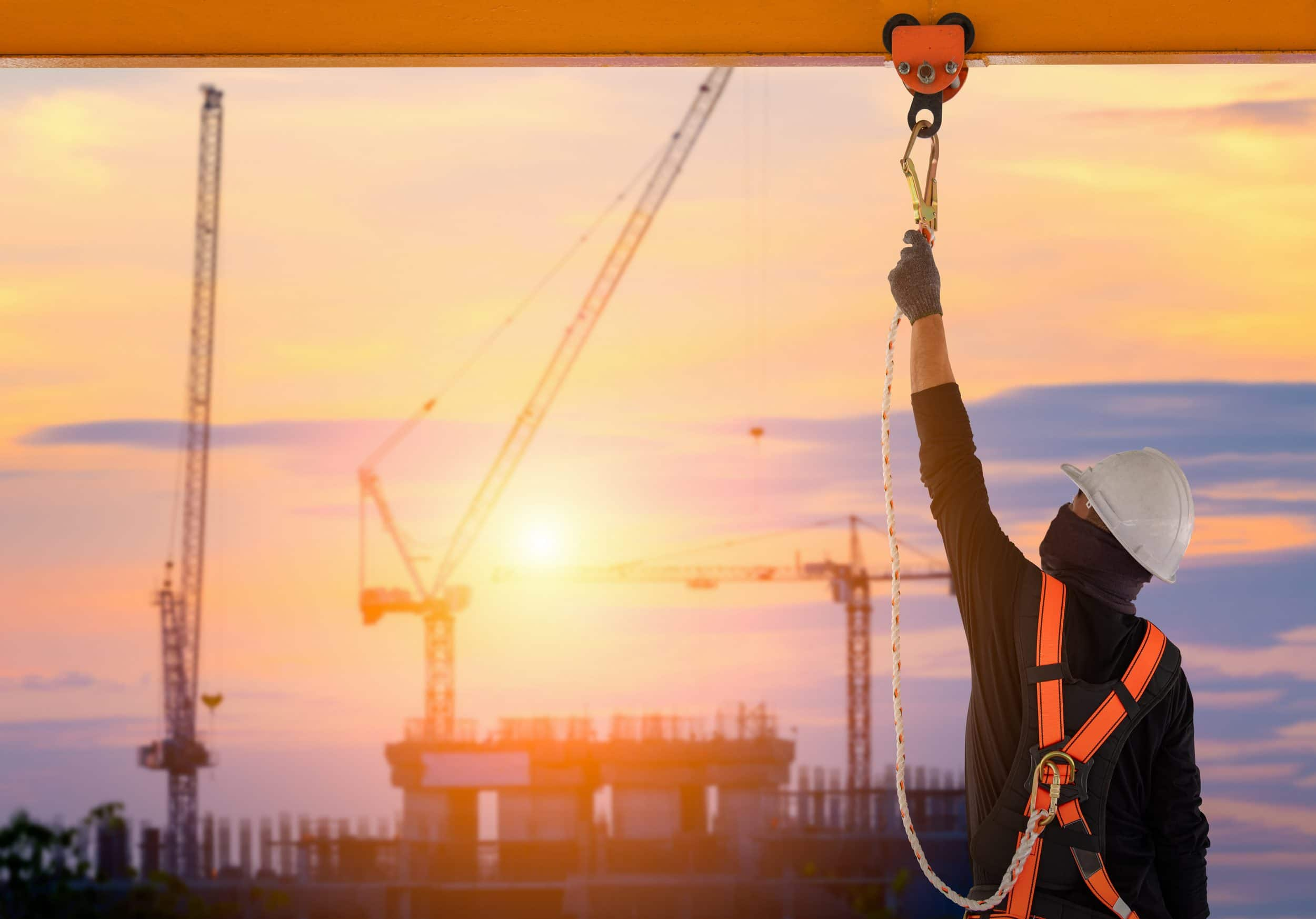 Construction,Worker,Wearing,Safety,Harness,And,Safety,Line,Working,High